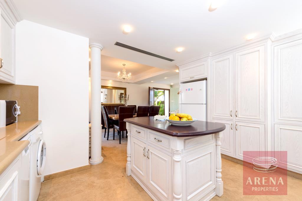 buy villa in ayia thekla - kitchen