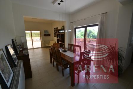 5 bed villa in pernera - dining area