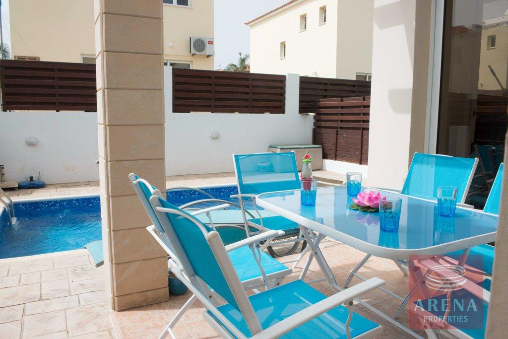 2 bed villa in pernera - terrassa