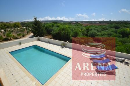 5 bed villa in pernera to buy