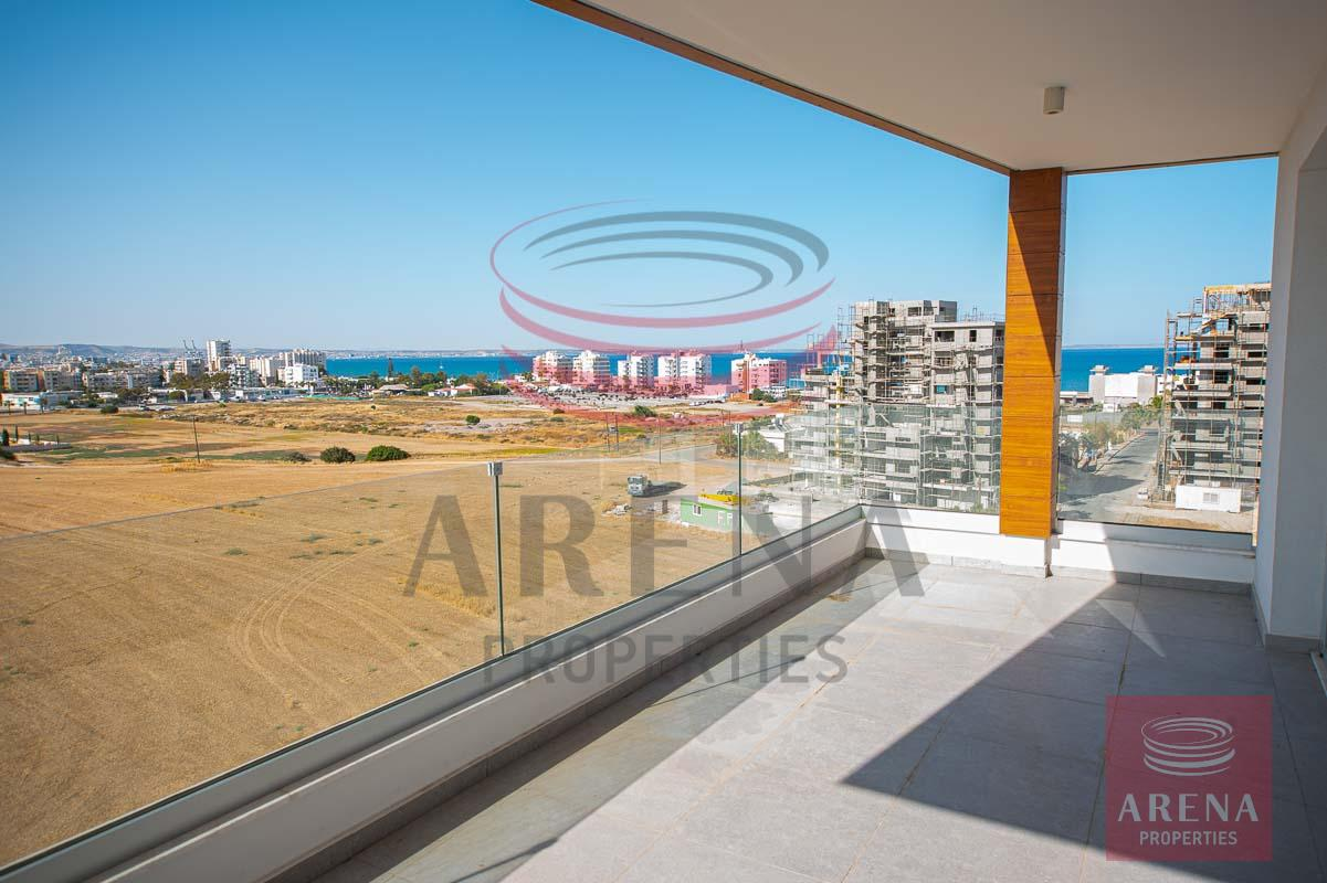 Penthouse for rent in Makenzie - sea views