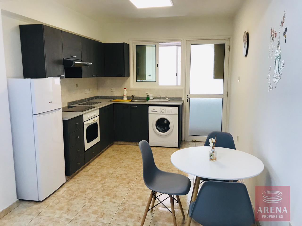 2 bes apt for rent in Makenzie - kitchen