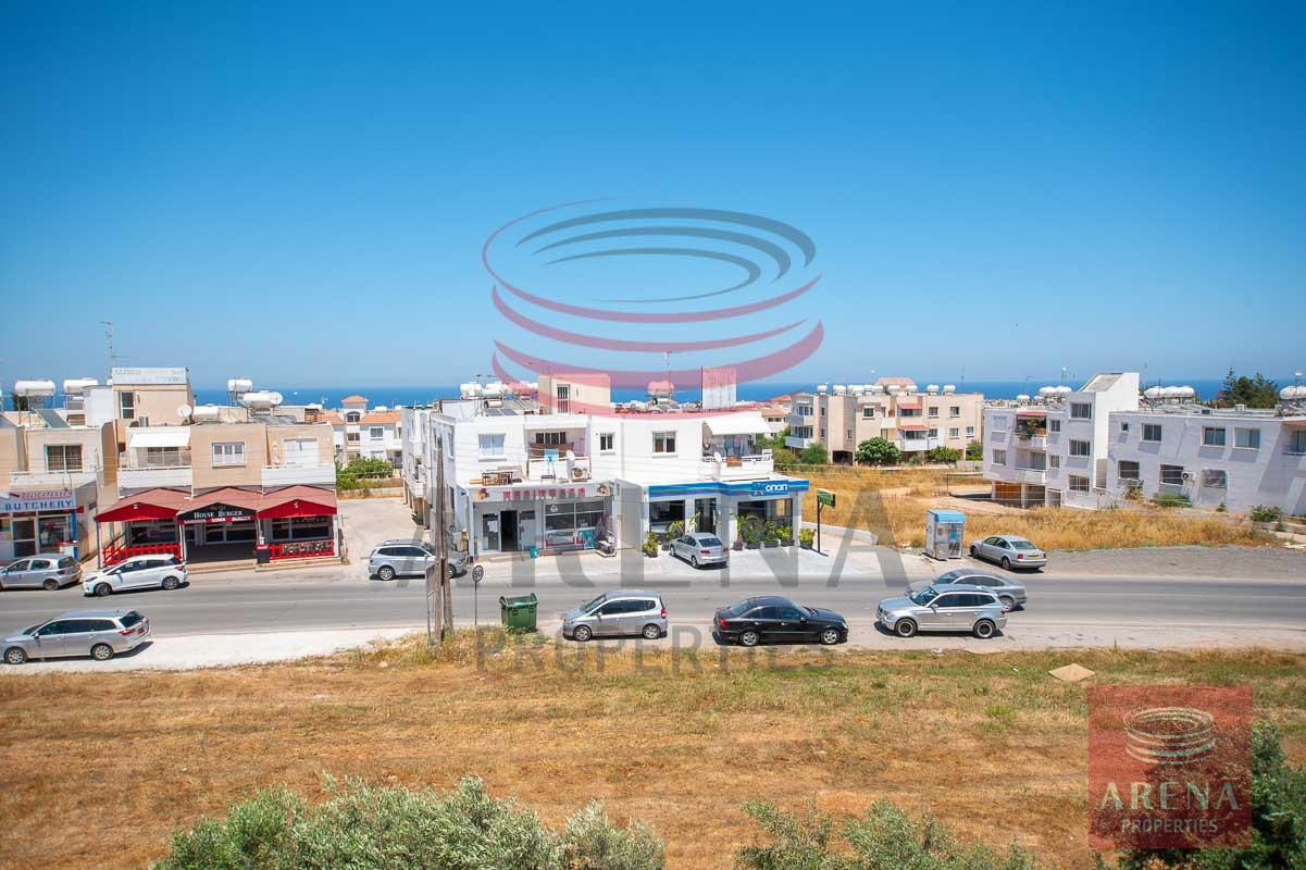 3 bed apt in Paralimni for rent - views