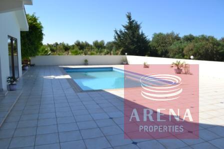 5 bed villa in pernera - pool