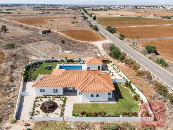4-bungalow-vrysoulles-to-buy