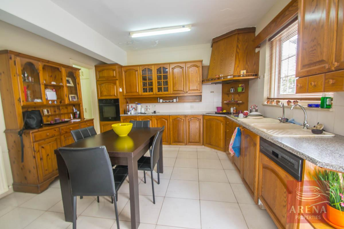 4 Bed Townhouse in Paralimni - kitchen
