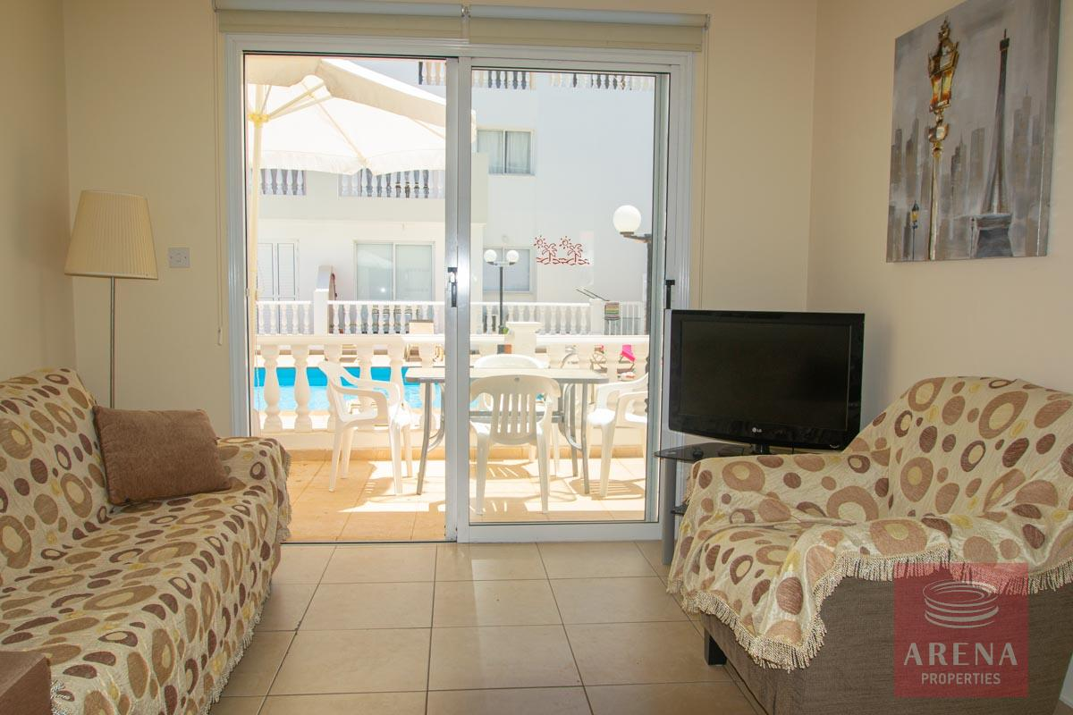 ground floor apt in Kapparis - living room