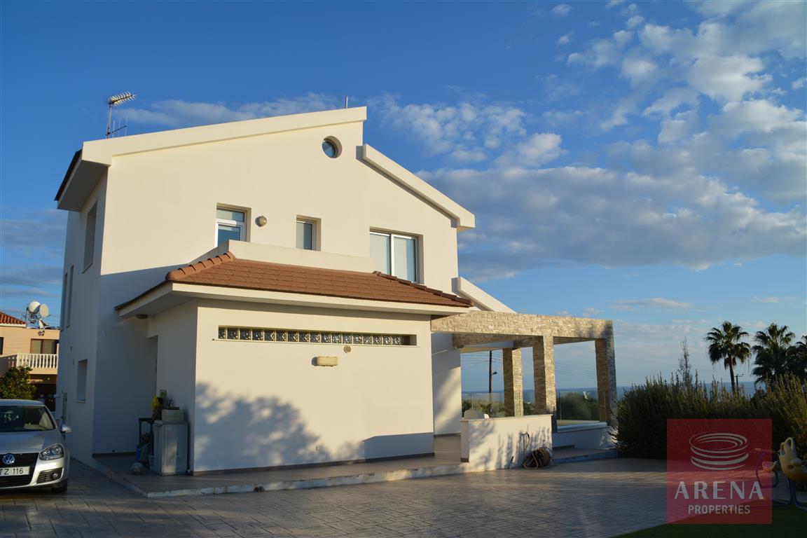 buy 4 bed villa in kokkinos gremmos