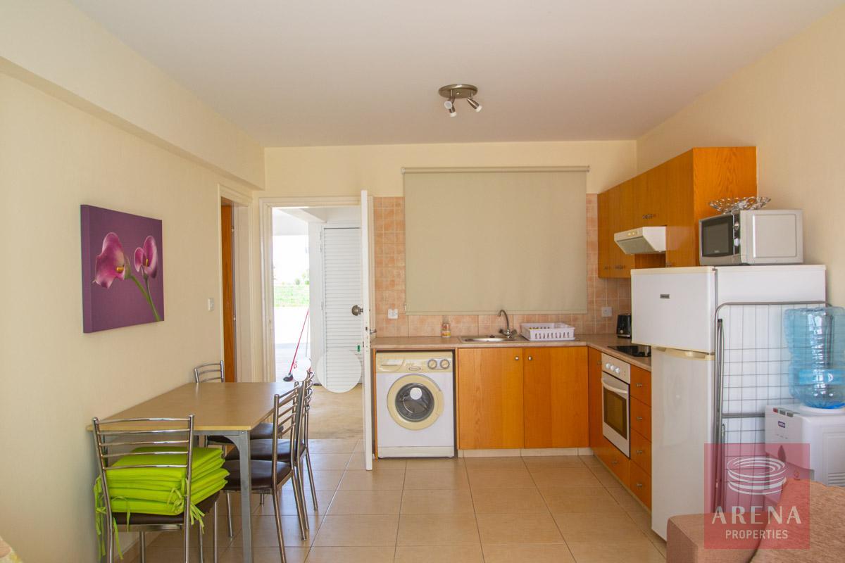 ground floor apt in Kapparis - kitchen