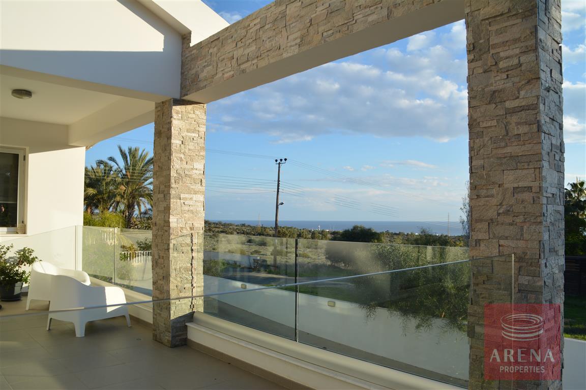 4 bed villa in kokkinos gremmos - balcony