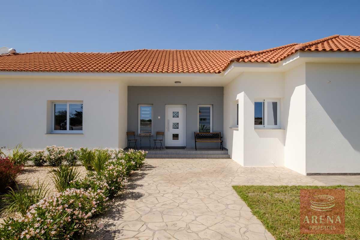 bungalow in vrysoulles - entrance