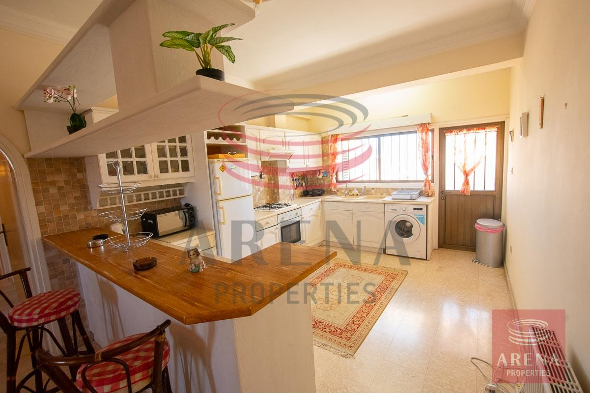 3 bed apt in Paralimni for rent - kitchen