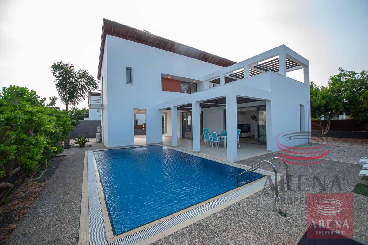 3 bed villa in ayia thekla