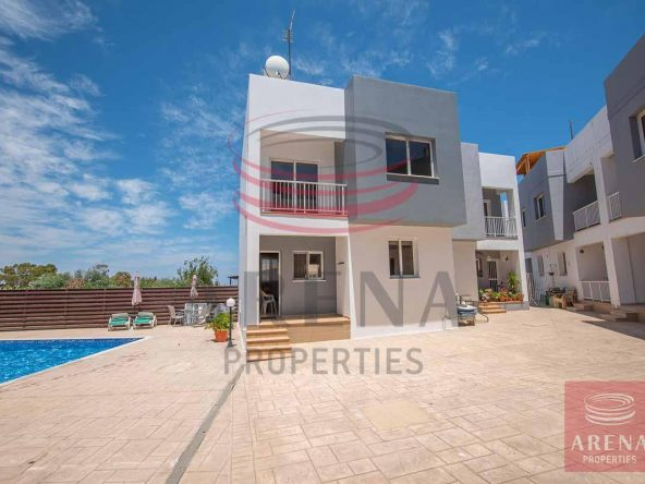 1-Townhouse-for-rent-5699