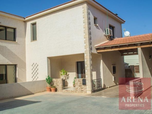 1-semi-deached-villa-in-xylofagou-3653