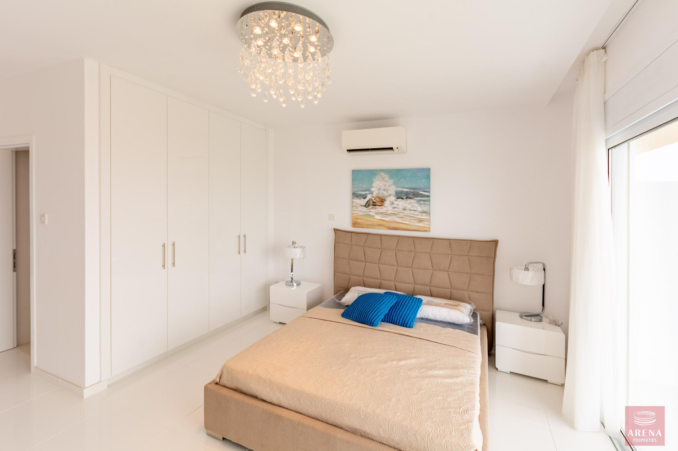 Apartment in Ayia Triada to buy - bedroom
