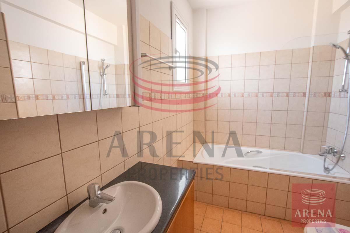 Townhouse for rent - bathroom