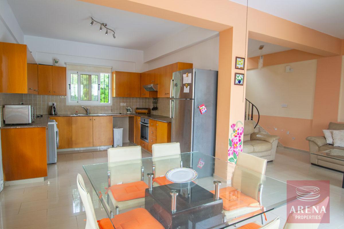 3 Bed Villa in Pernera - dining area