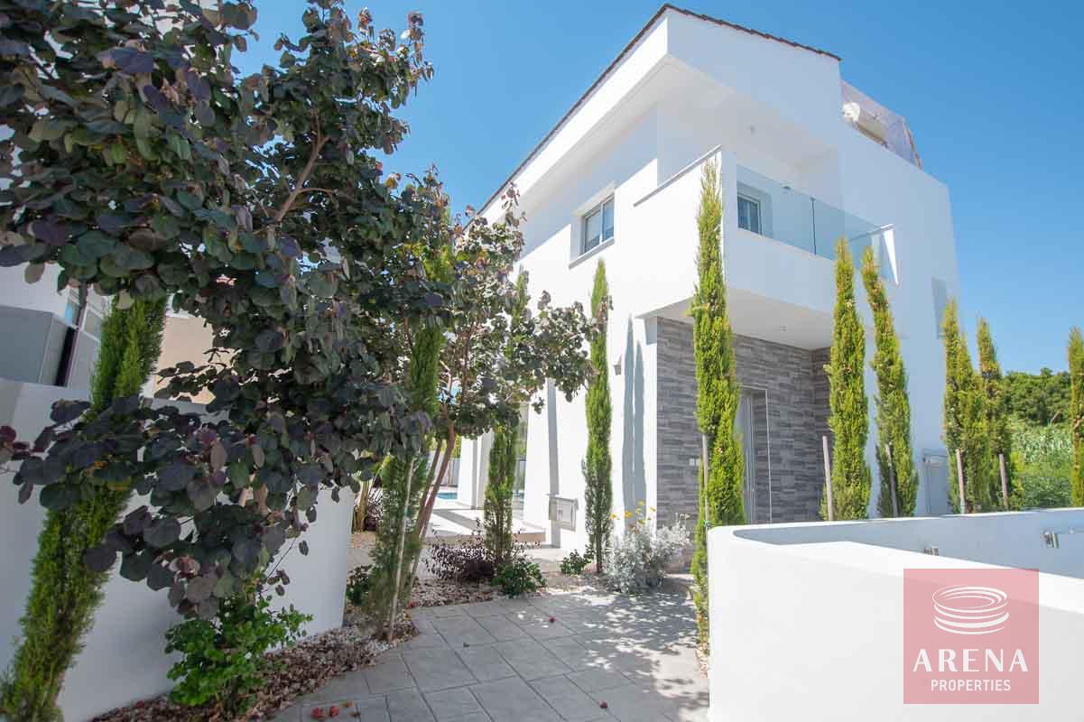 Villa in Kapparis for sale