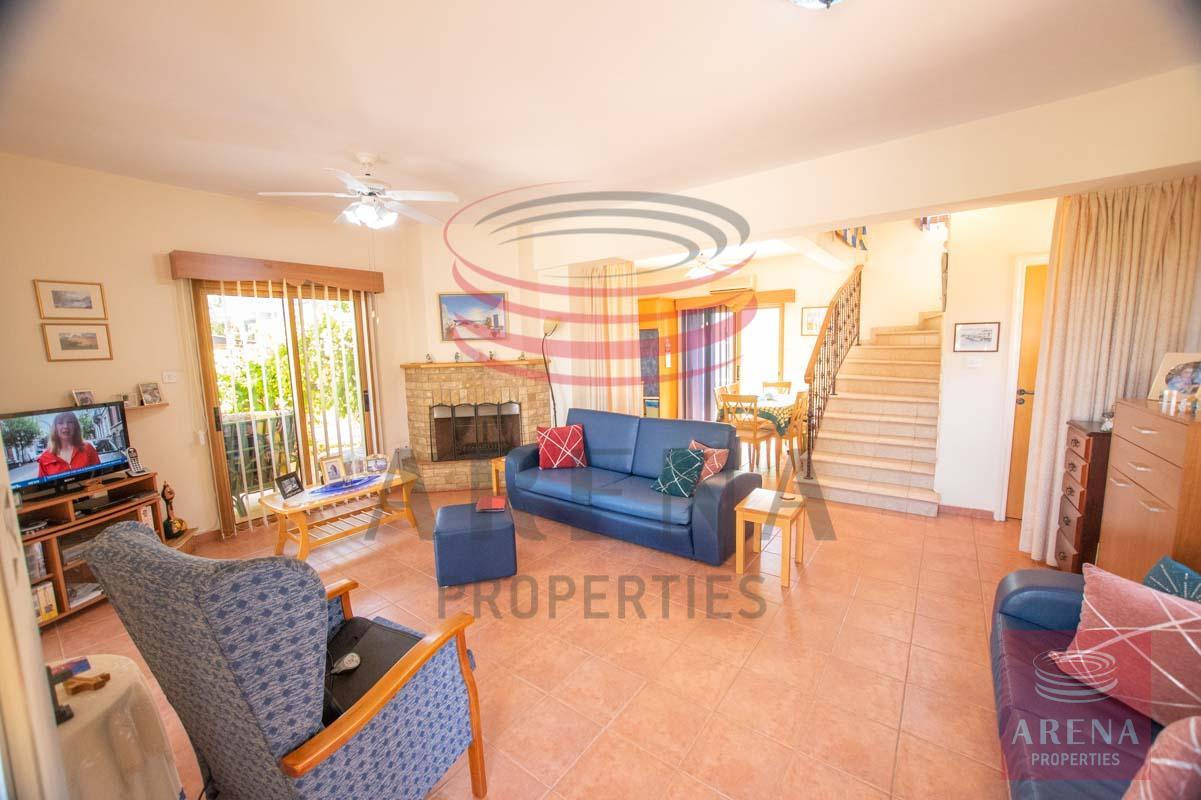 3 Bed villa in Sotira - living area