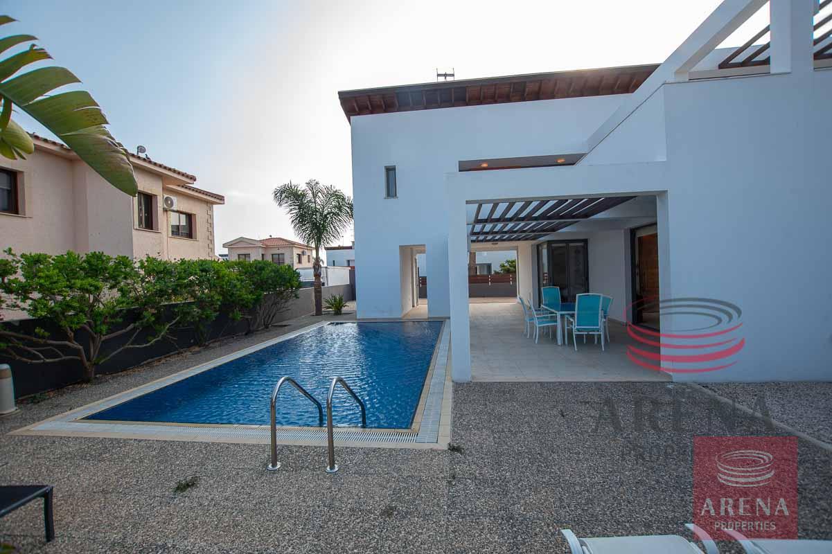 3 bed villa in ayia thekla - pool