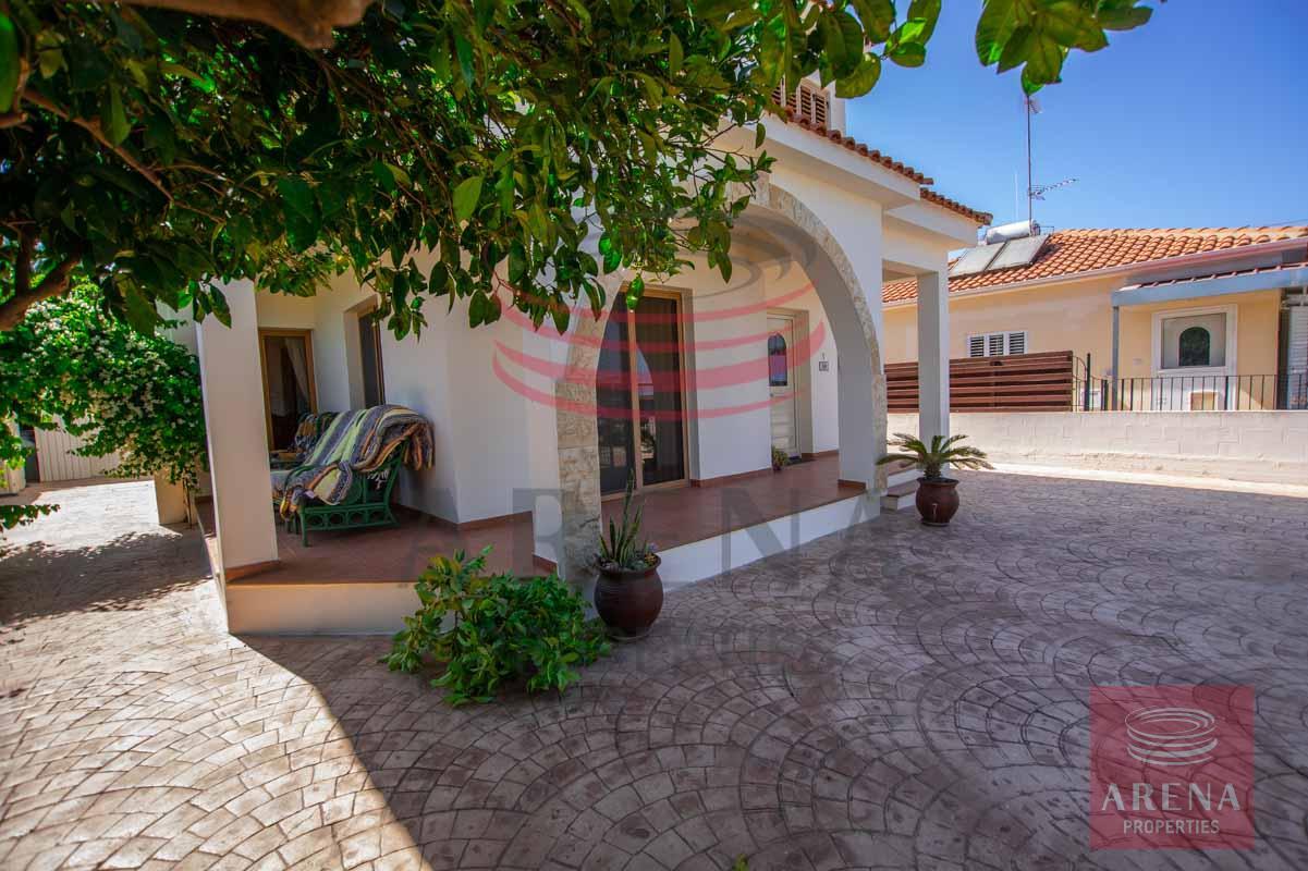 villa in sotitra to buy