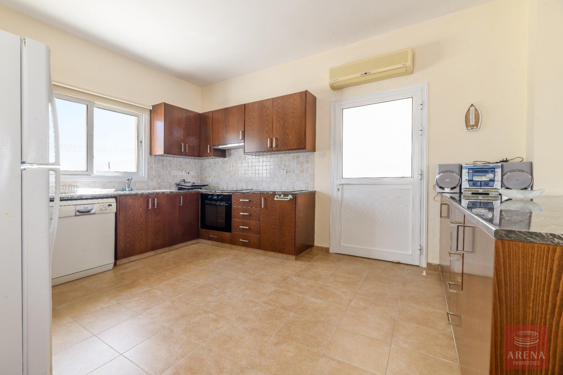 semi-detached house in paralimni - kitchen