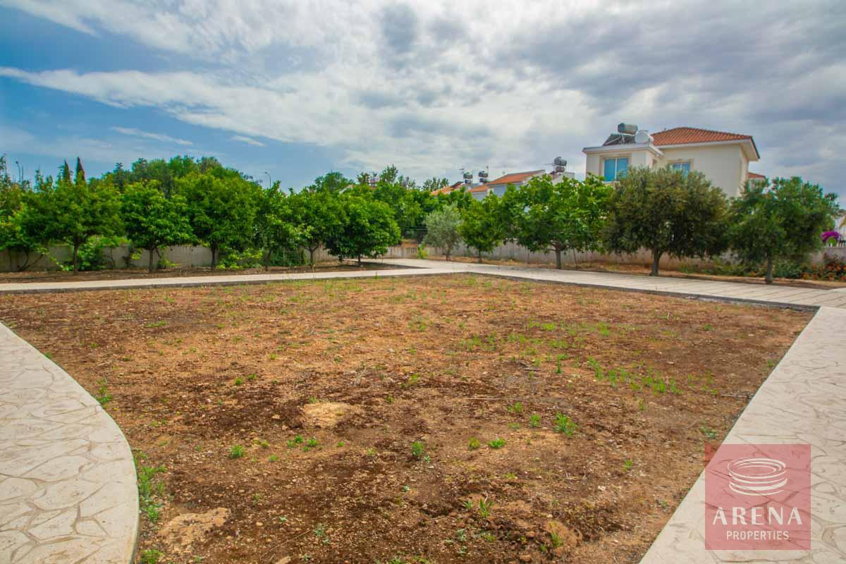 3 Bed Villa in Pernera - communal garden