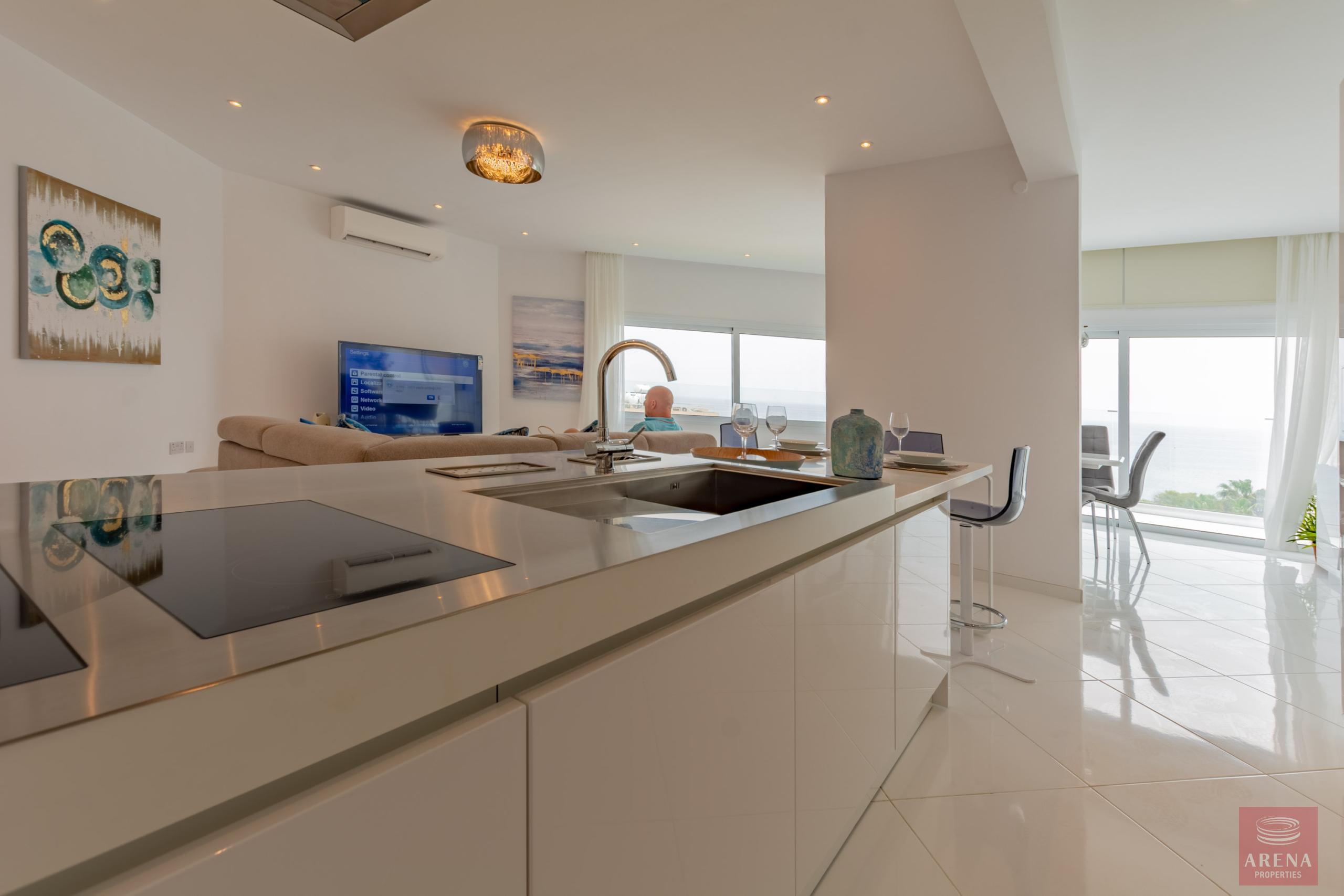 Apartment in Ayia Triada to buy - kitchen