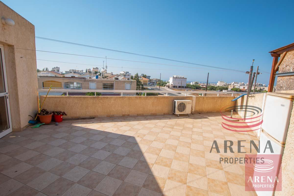 3 Bed apt for sale in Paralimni