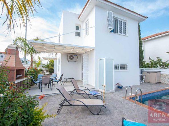 1-Villa-for-sale-Ayia-Triada-5614