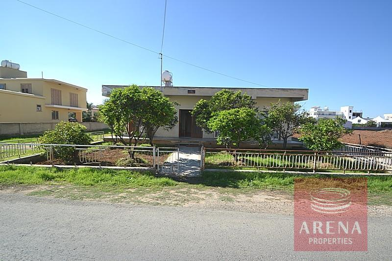 Bungalow for sale in Derynia