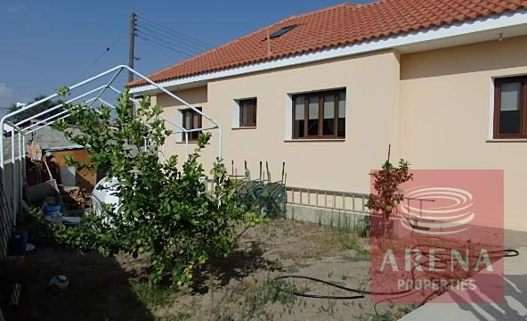 Bungalow for sale in Troulloi