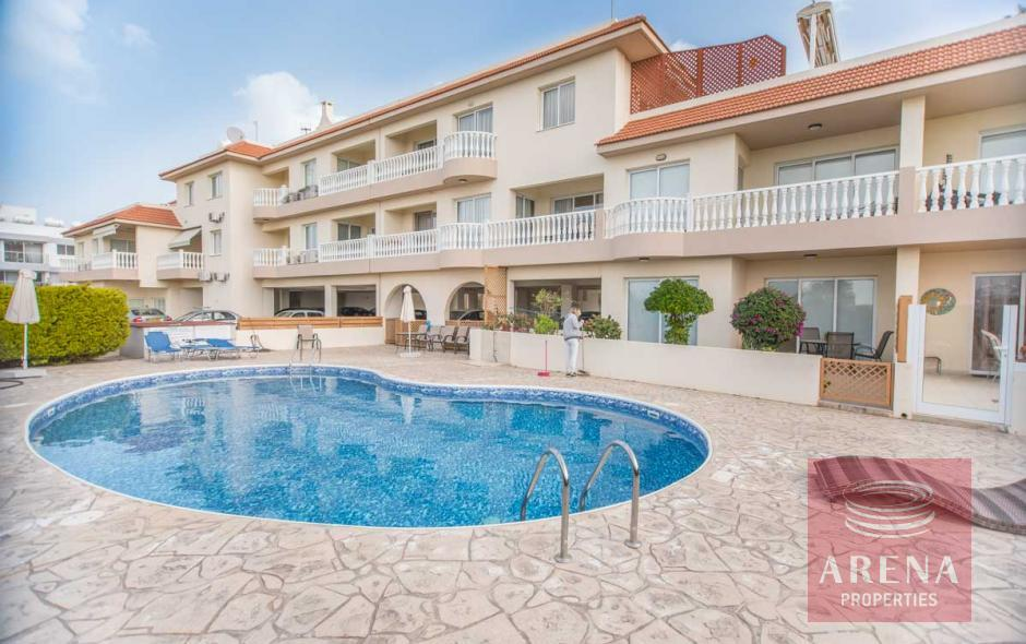 luxury 2 bed apartment in paralimni