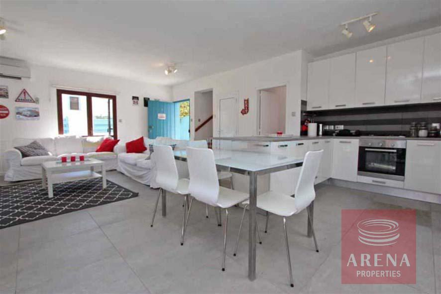 4 bed villa for rent in Ayia Triada - dining area