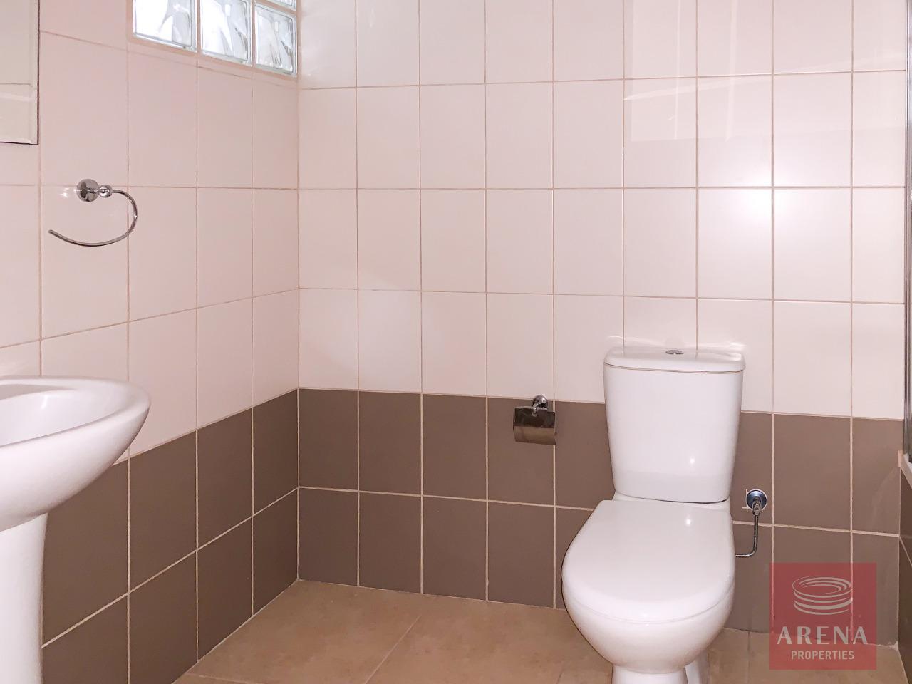 Apt for sale in Larnaca - bathroom