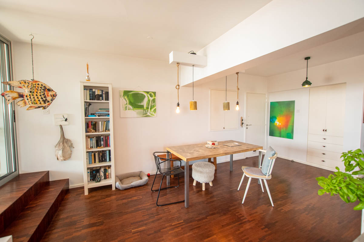 2 bed apartment in Pervolia - dining area