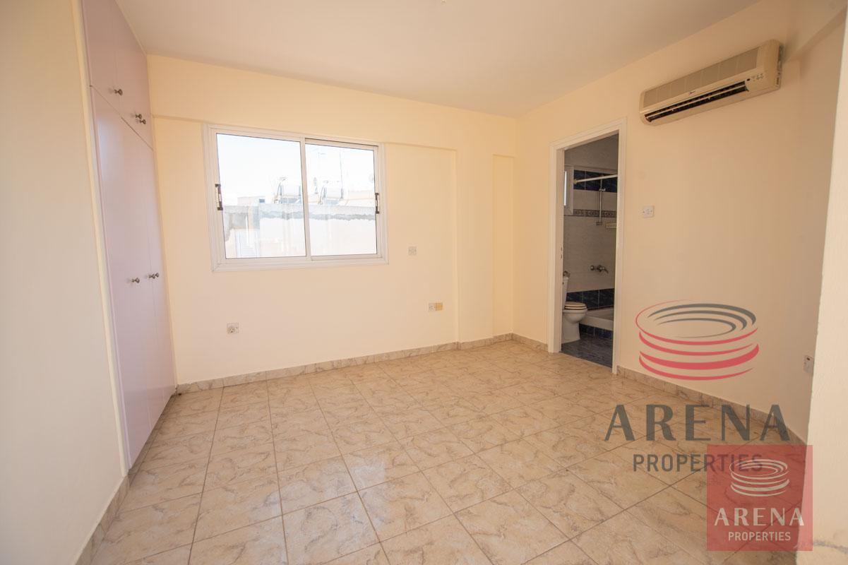 Flat in Paralimni - bedroom