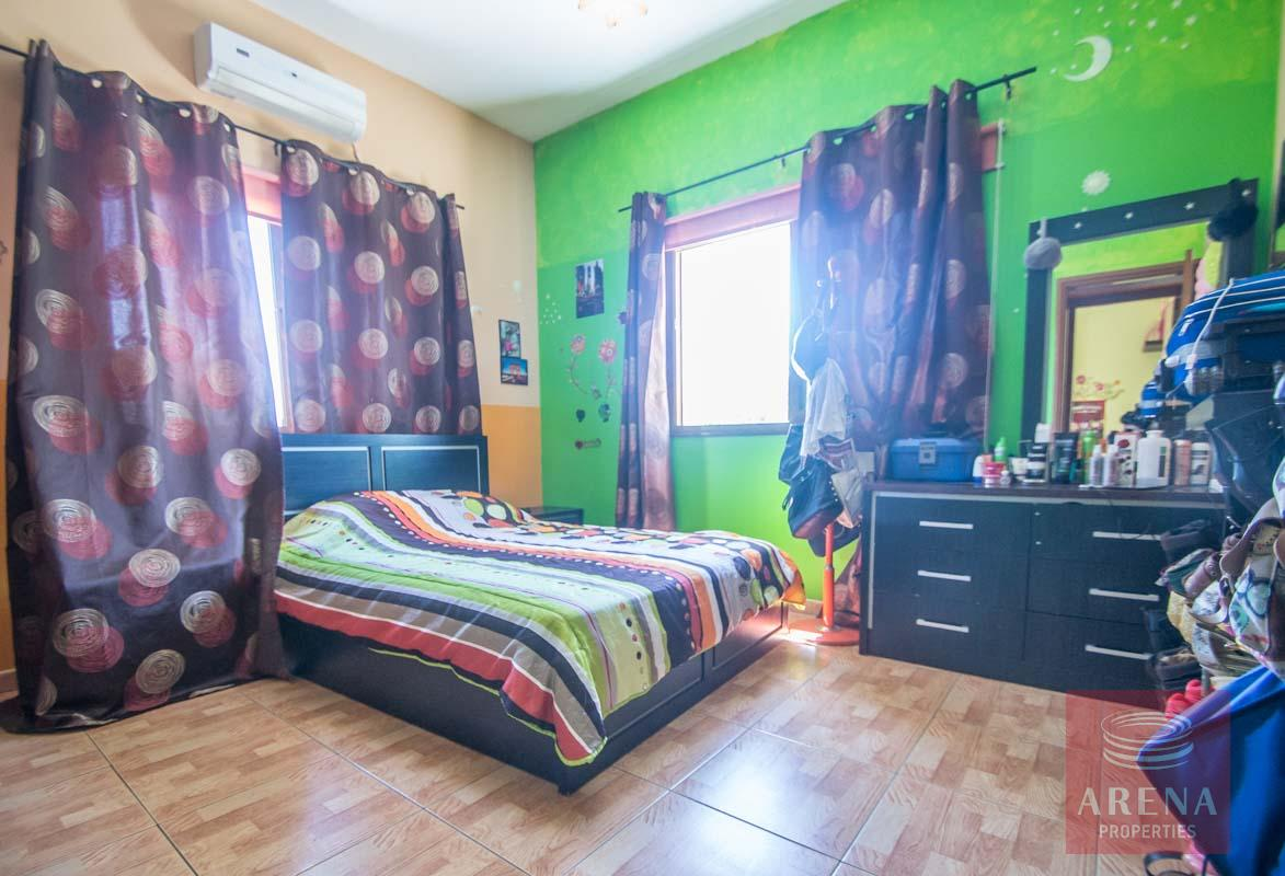 Bungalow for sale in Paralimni - bedroom