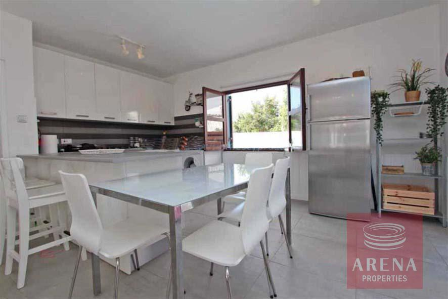 4 bed villa for rent in Ayia Triada - kitchen