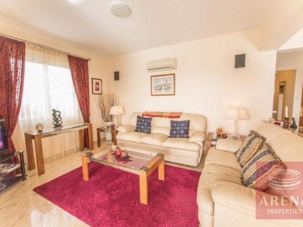 11-luxury-apartmetn-for-sale-in-paralimni-sitting-area