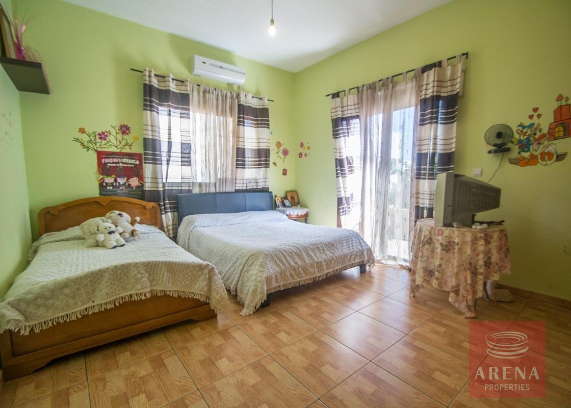 Bungalow in Paralimni - bedroom