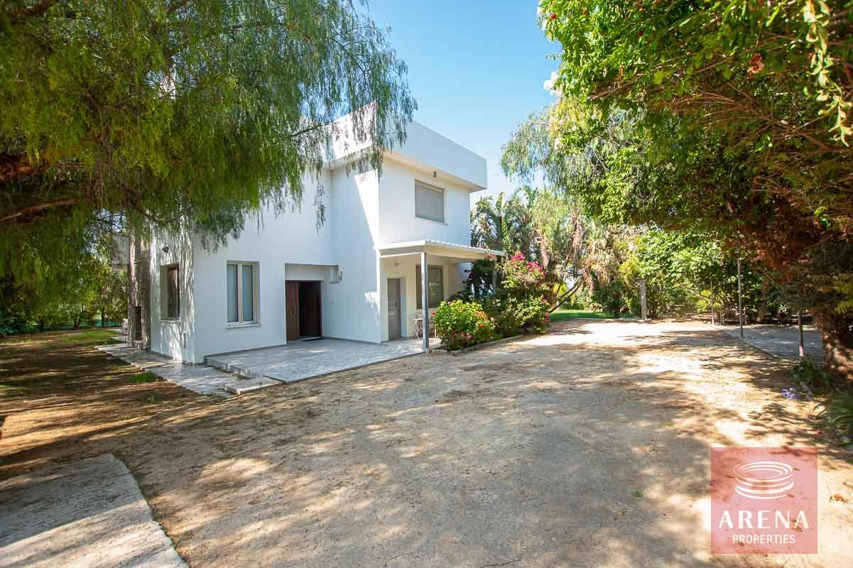 8 Bed Villa in Protaras to buy