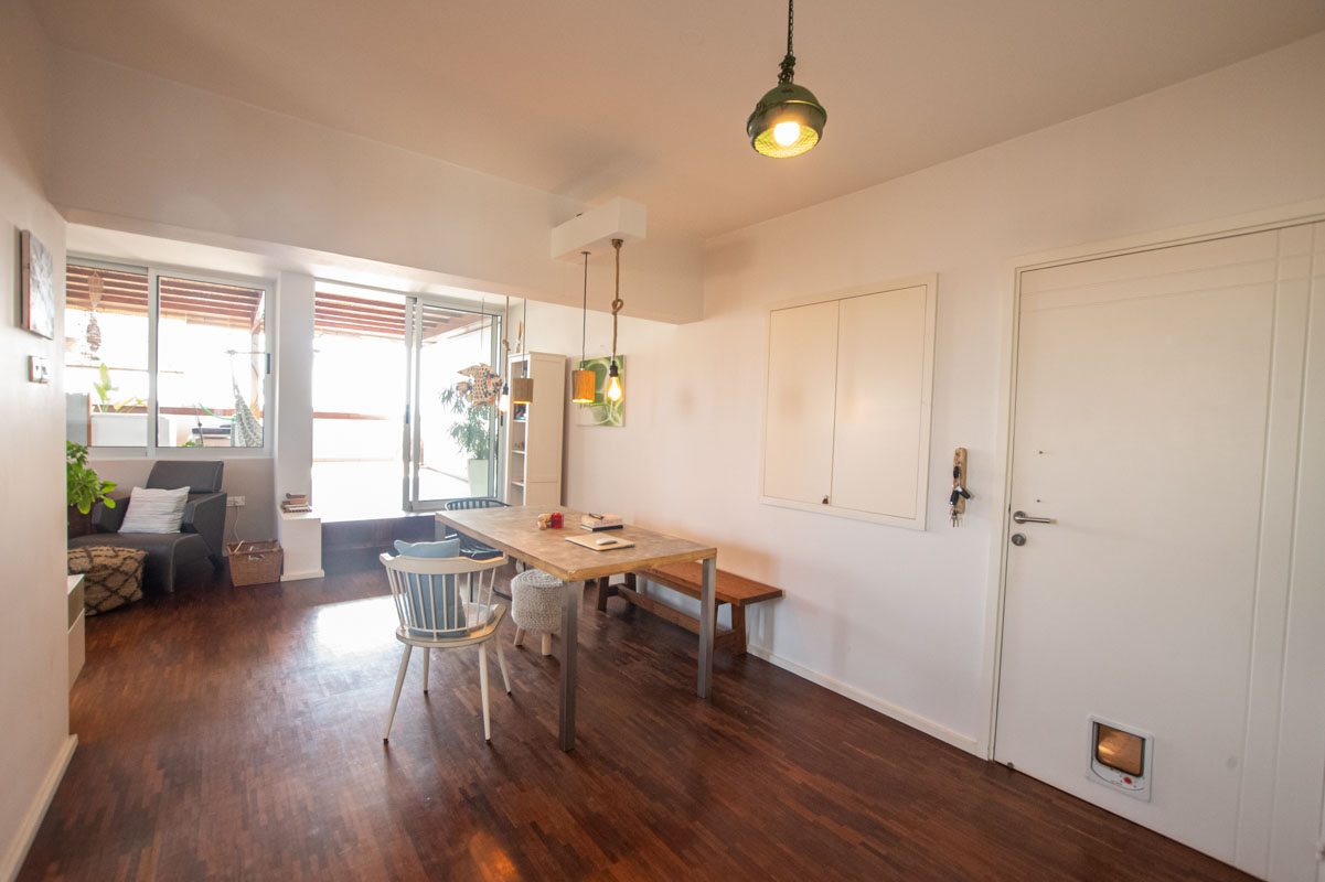 2 bed apartment in Pervolia for sale - dining area