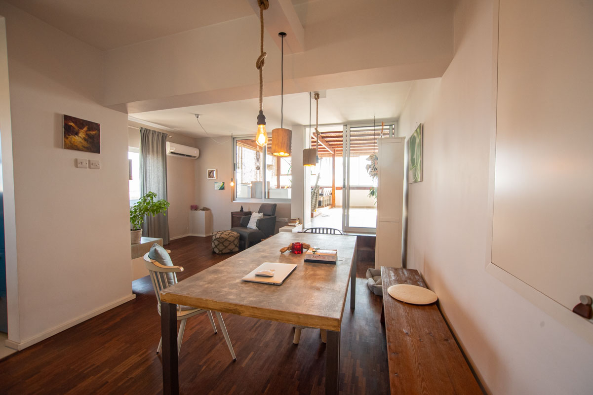 2 bed apartment in Pervolia to buy - dining area