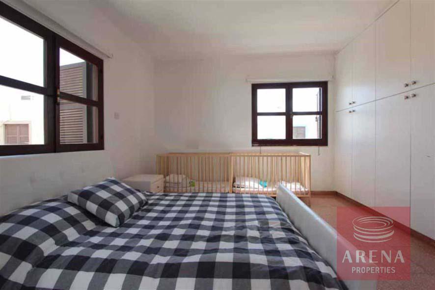 villa for rent in ayia triada - bedroom