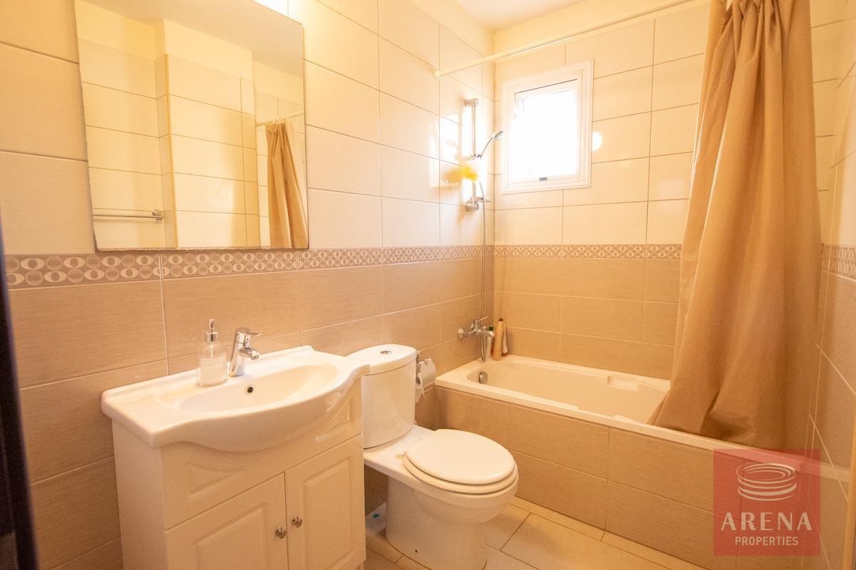 Apartment for rent in Kapparis - bathroom