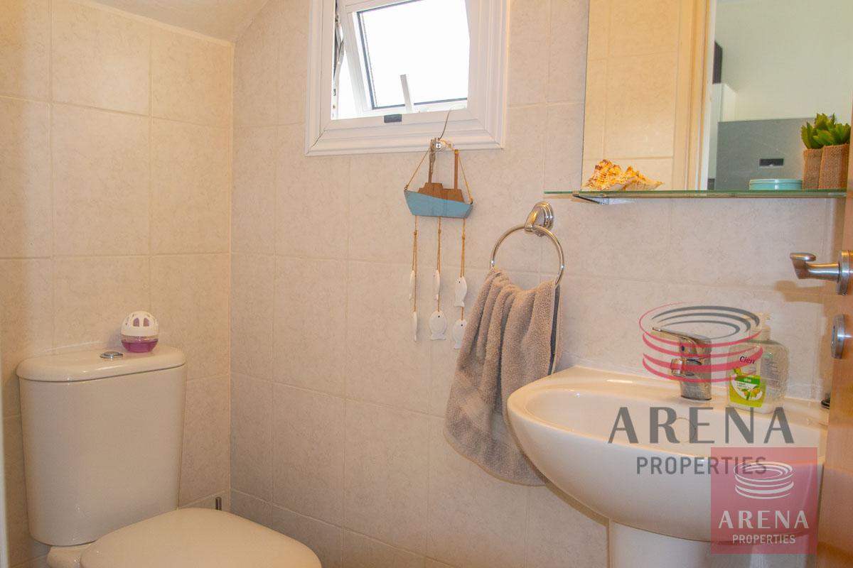 2 Bed Villa in Pernera - guest wc