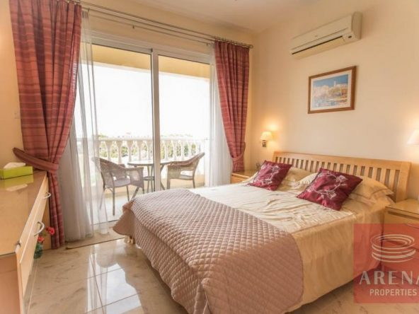 16-luxury-apartmetn-for-sale-in-paralimni-bedroom
