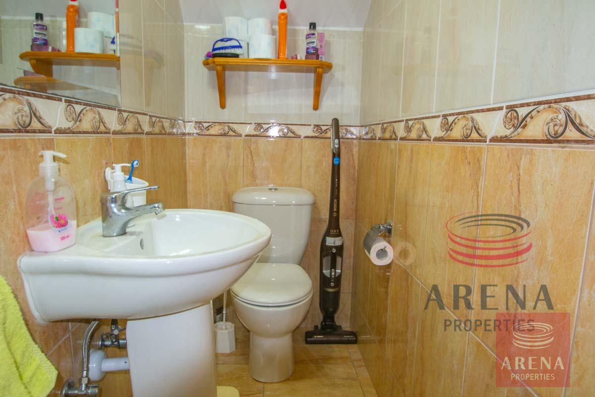 2 bed house in Liopetri - guest wc